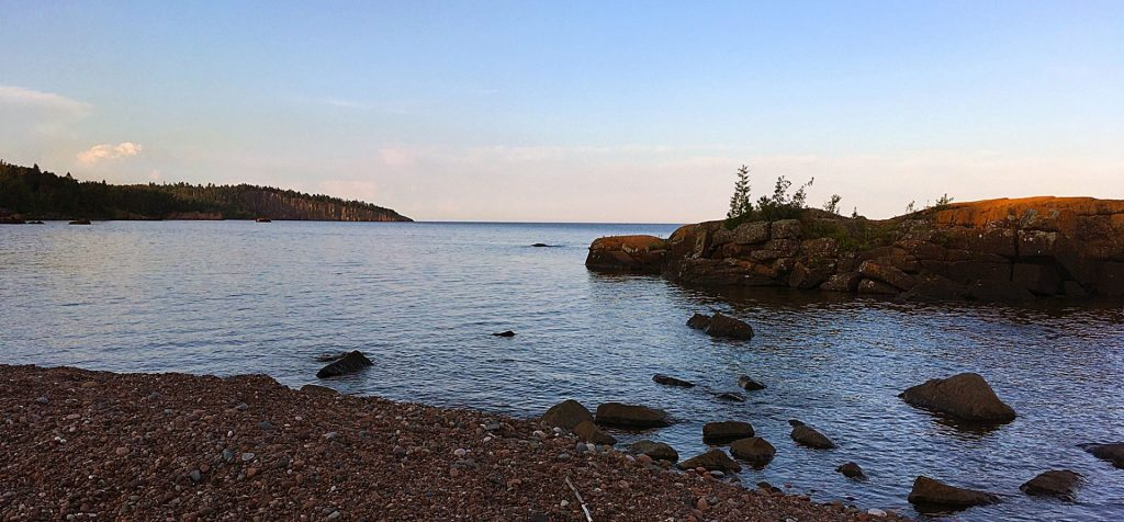 Kayaker's view of Tettegouche State Park.
