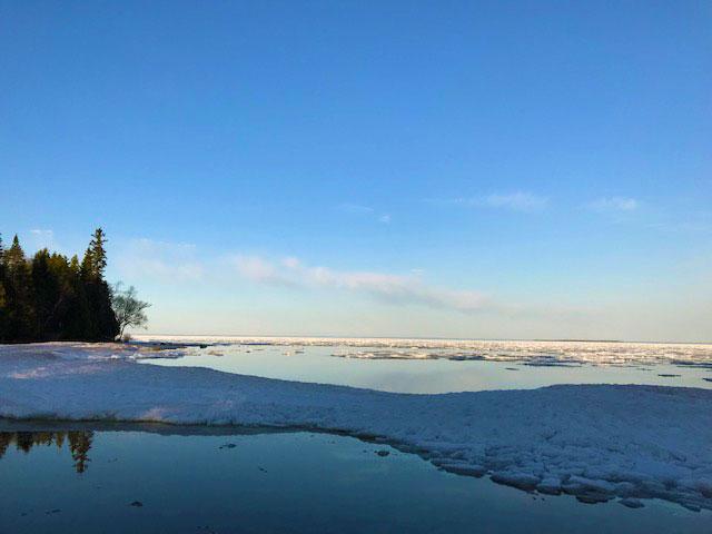 Ice packs on Lake Huron 5-14-18.